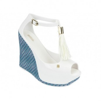 PEACE V blue and white geometric shapes print wedge sandals for woman