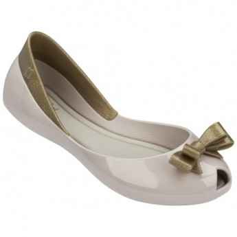 QUEEN beige flat closed ballet flats for girl