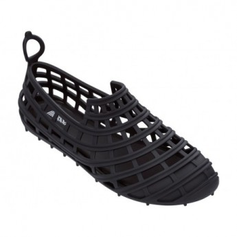 ALMA black flat crab sandals for woman